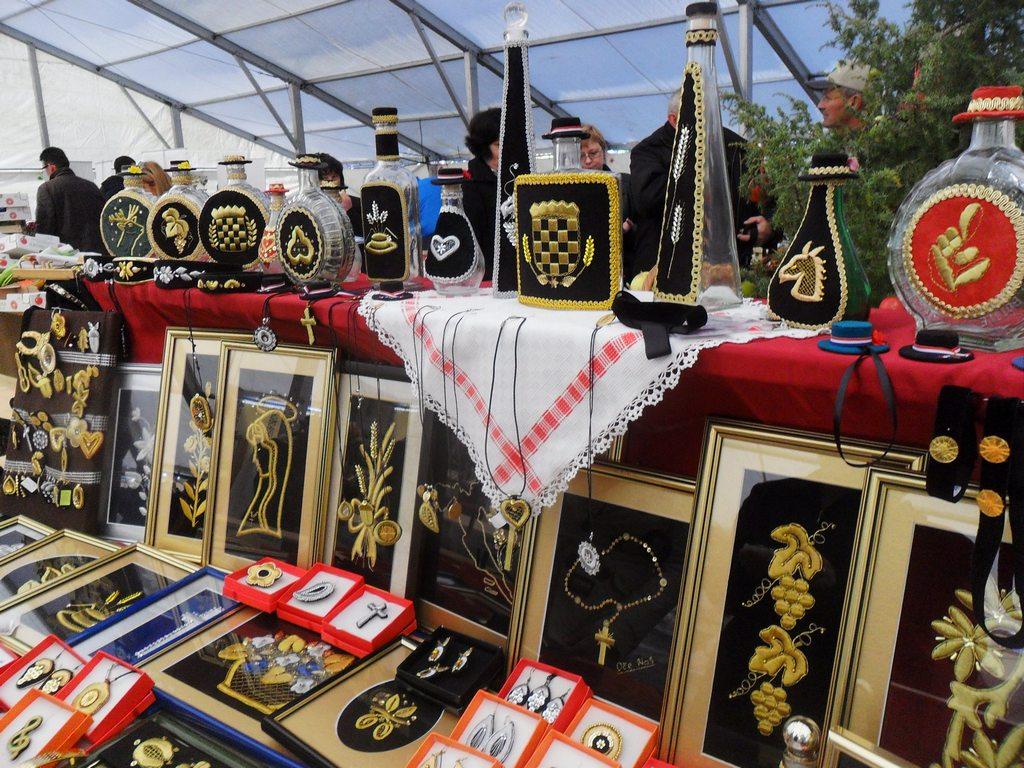 Zlatovezilje Brodski Stupnik na Jabučnim danima u Đakovu