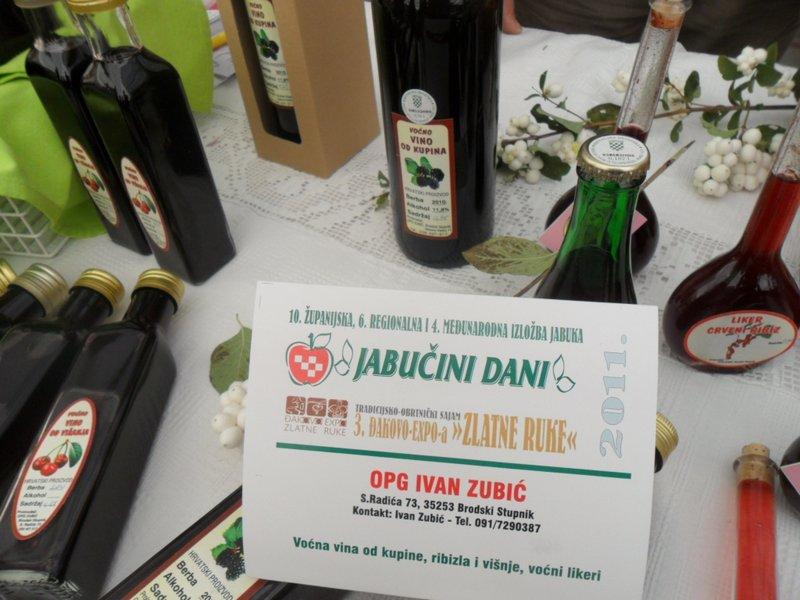 OPG Zubić sa kupinovim vinom na Jabučnim danima u Đakovu